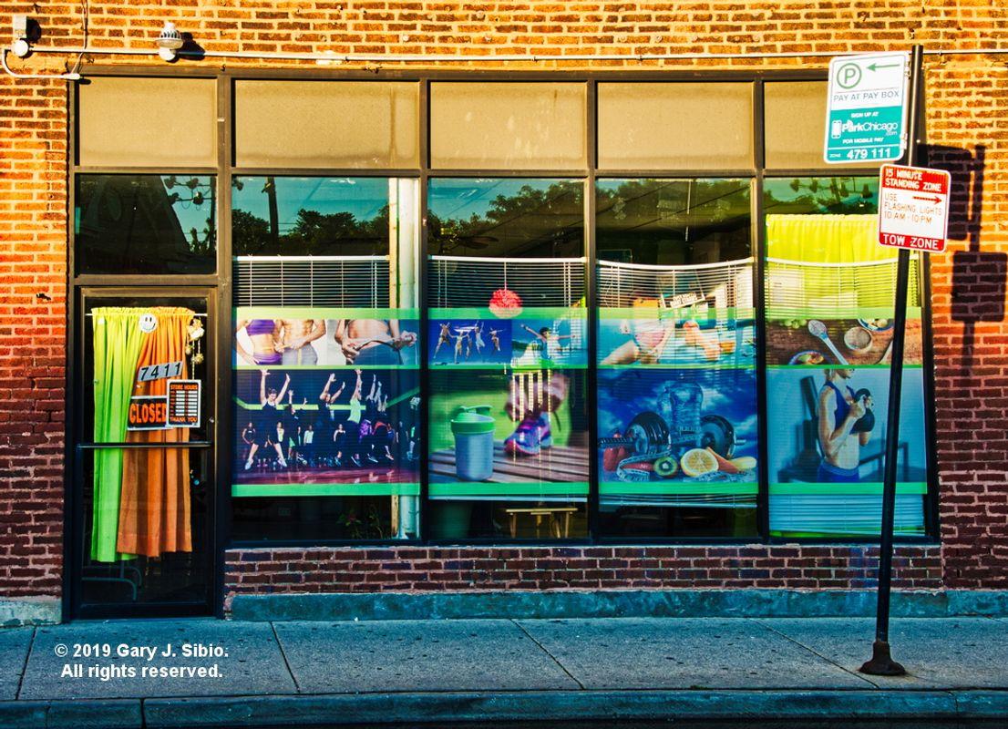 Storefront on Clark Street, Chicago (2019-06-13 19-39-28_01)