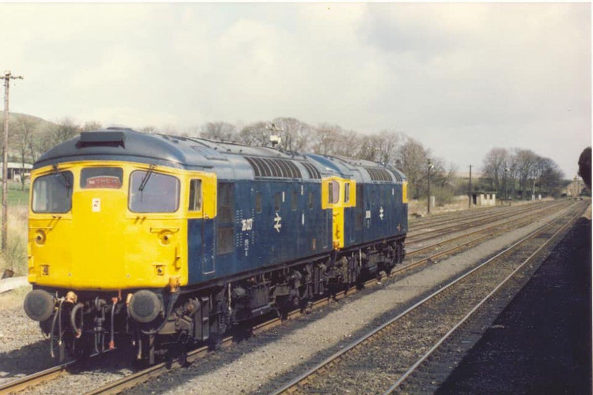 26036 & 027 running rouns St Andrew Rambler tour @ Grangemouth 27apr87 - Steve Houlker