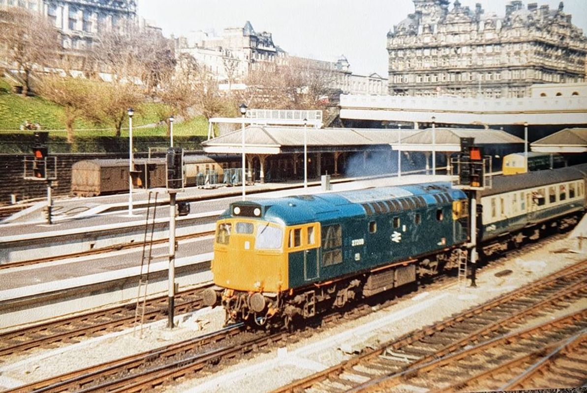 27208 @ EDI 8apr77 - David Scott