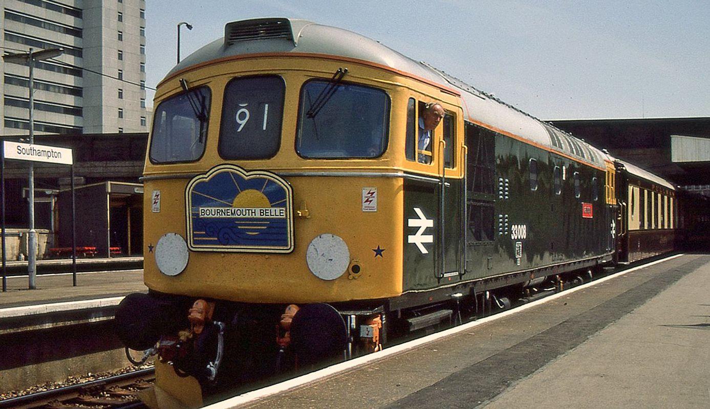 33008 Eastleigh @ Southampton - John Bushell