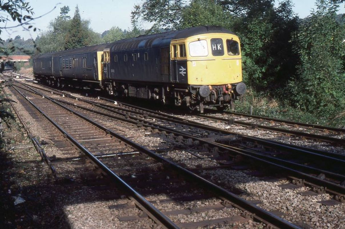 33012 @ Hurst Green Junc with de-icer 002 20oct83 - John Atkinson