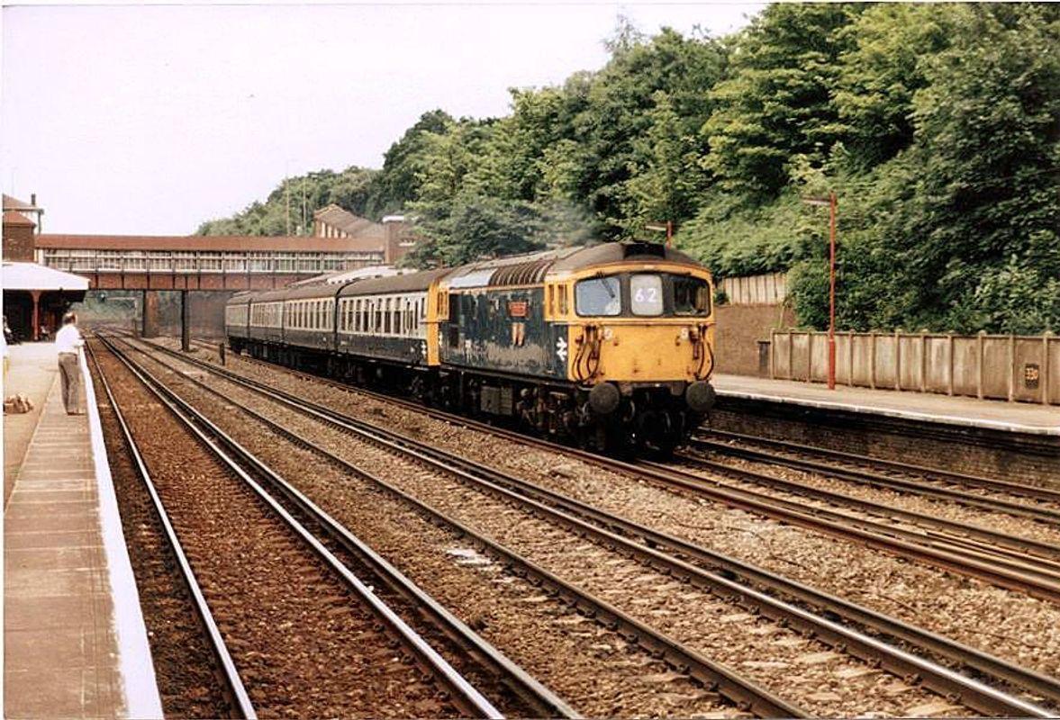 33112 at Weybridge - John Bushell