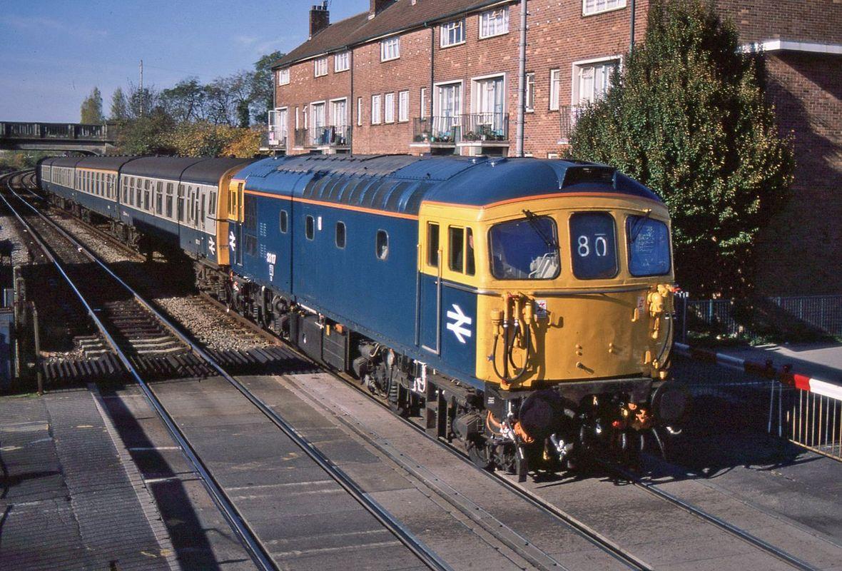 33117 arriving Cosham - John Bushell