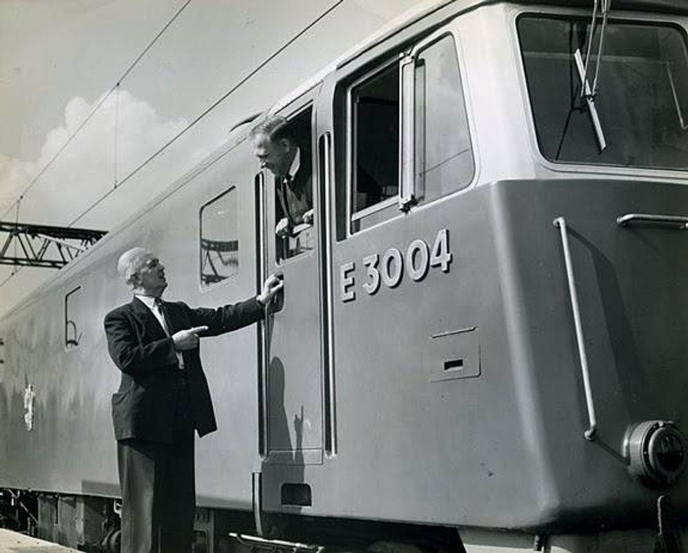 E3004