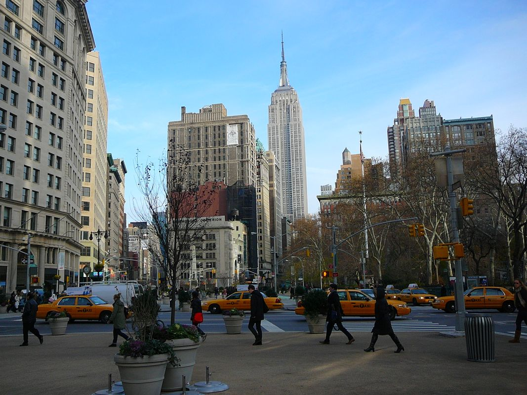 NYC sights with Empire State Building