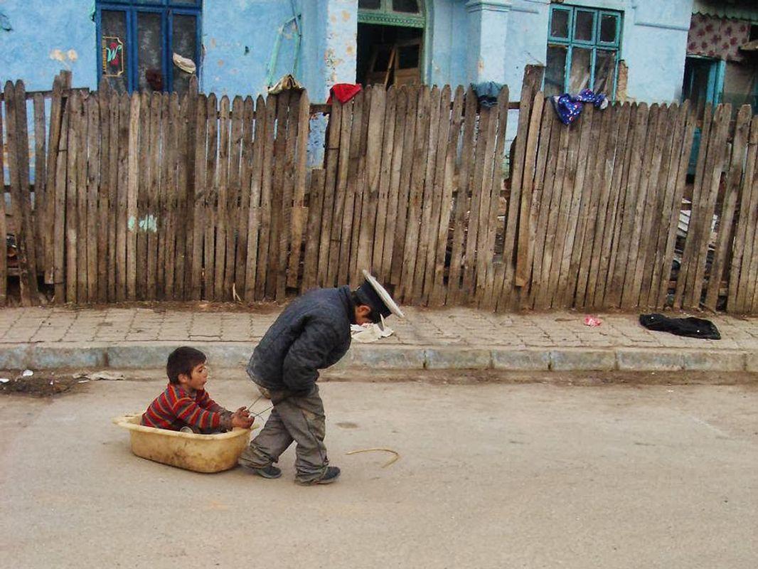 The joys of poor childhood