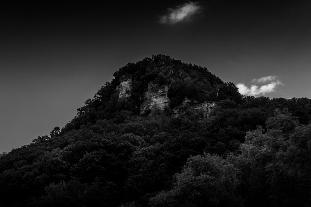 Mississippi Bluffs B&W