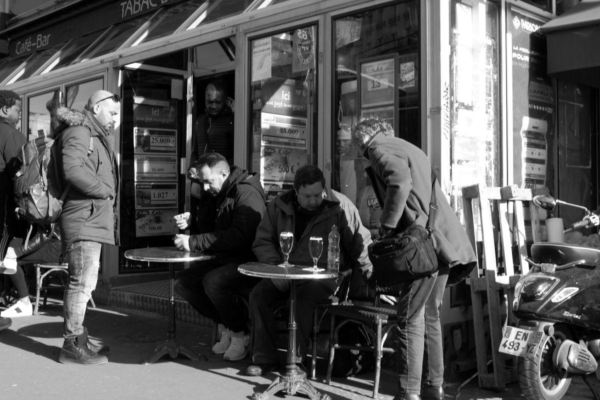 5 at a corner café
