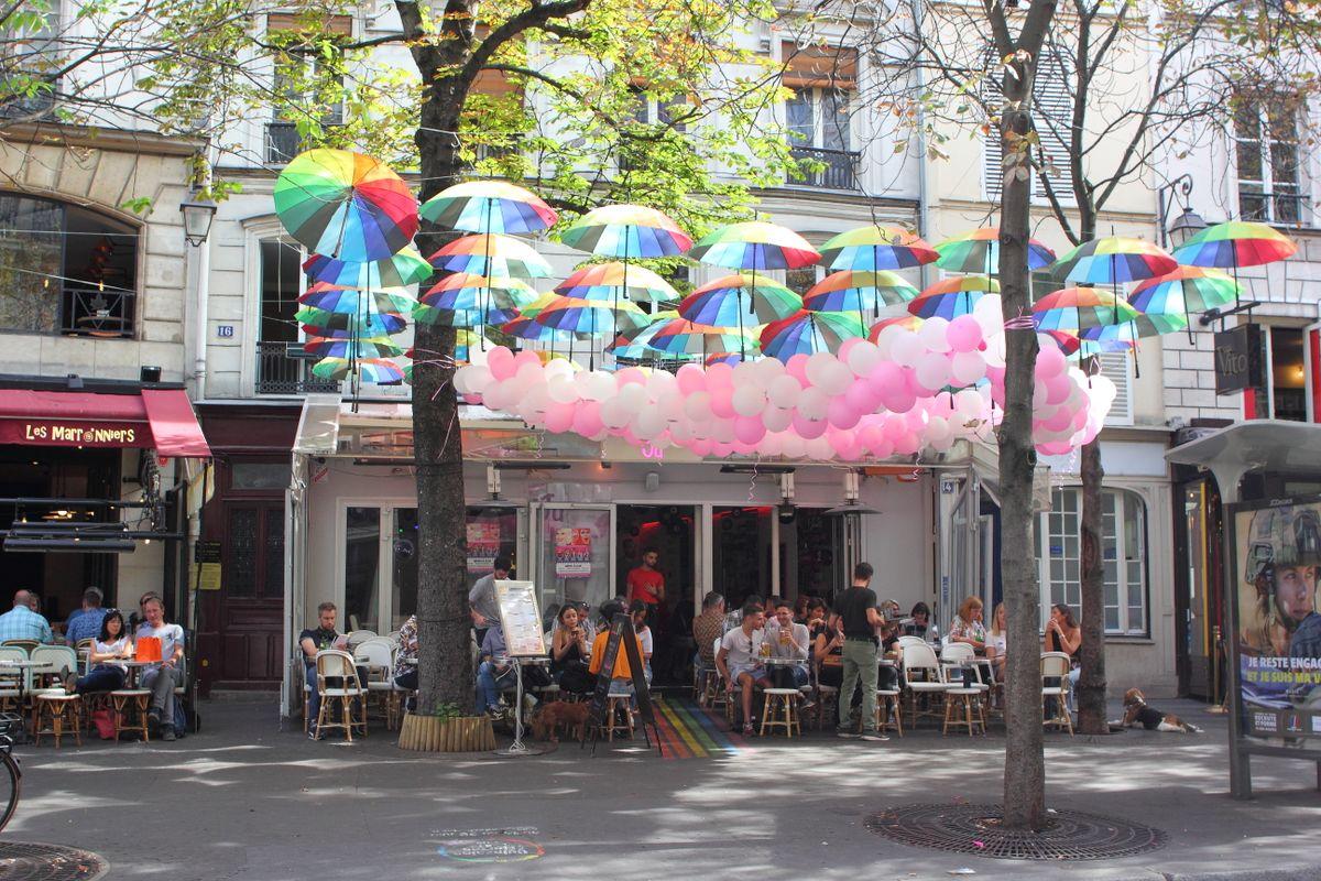Café with balloons and umbrellas
