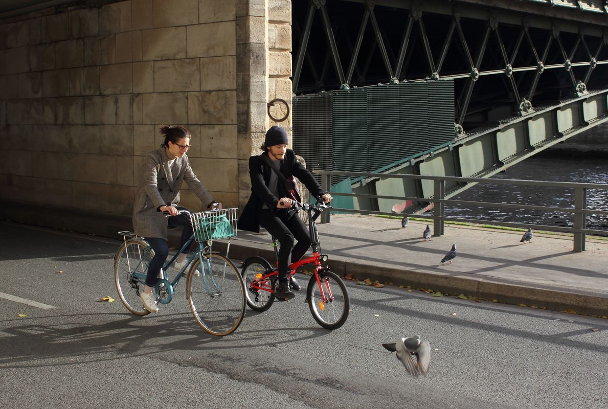 Cyclists and pigeons