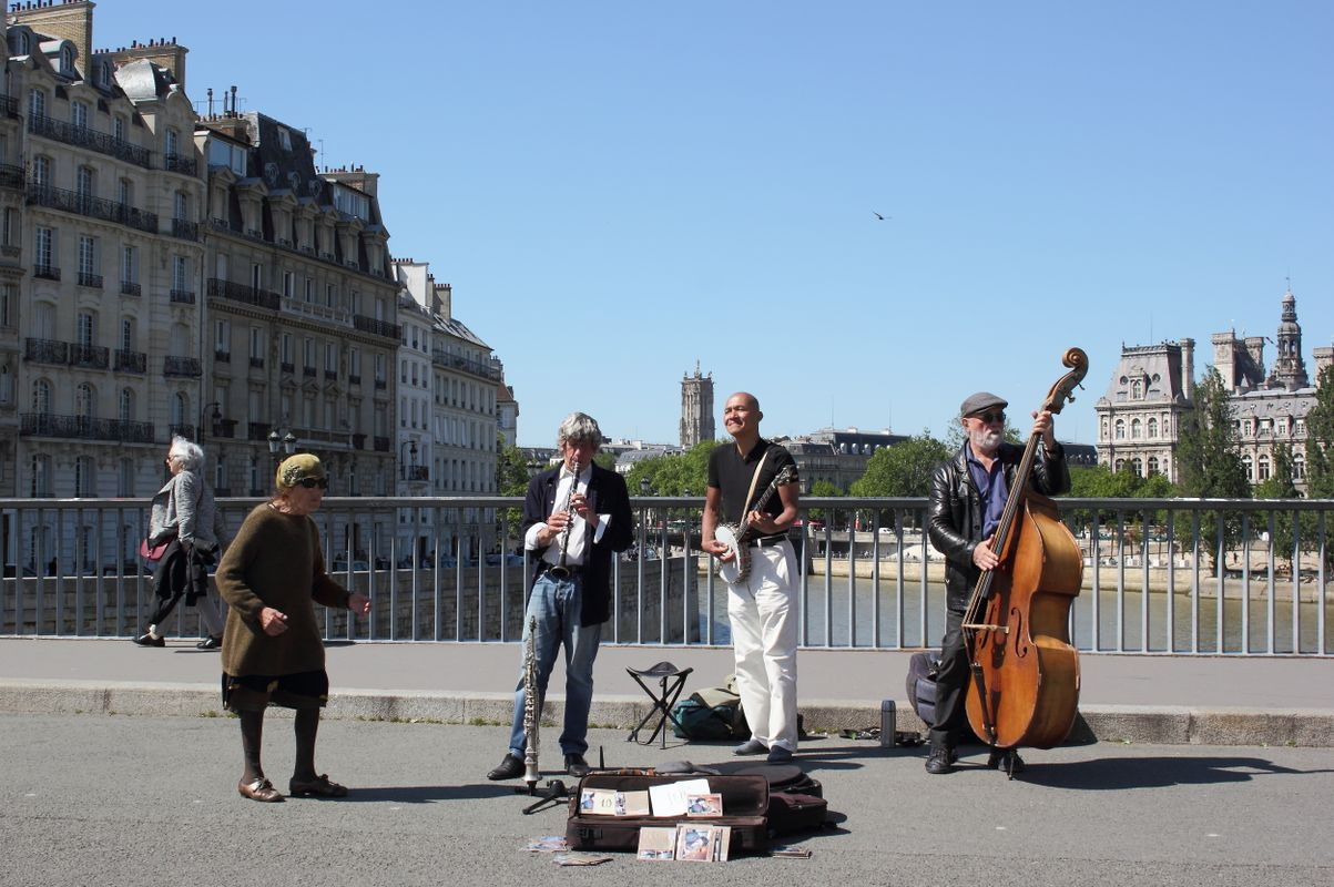 Outdoor jazz in Paris