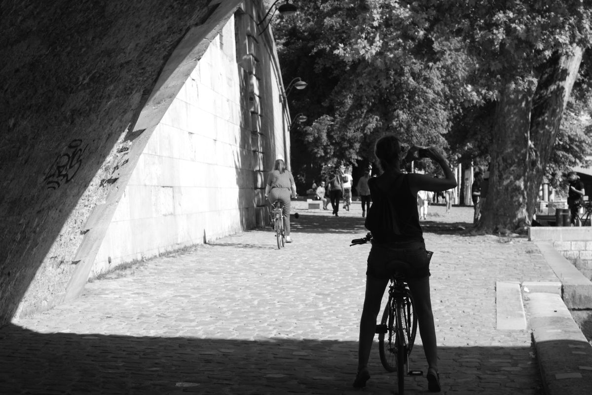 Picture-taking cyclist