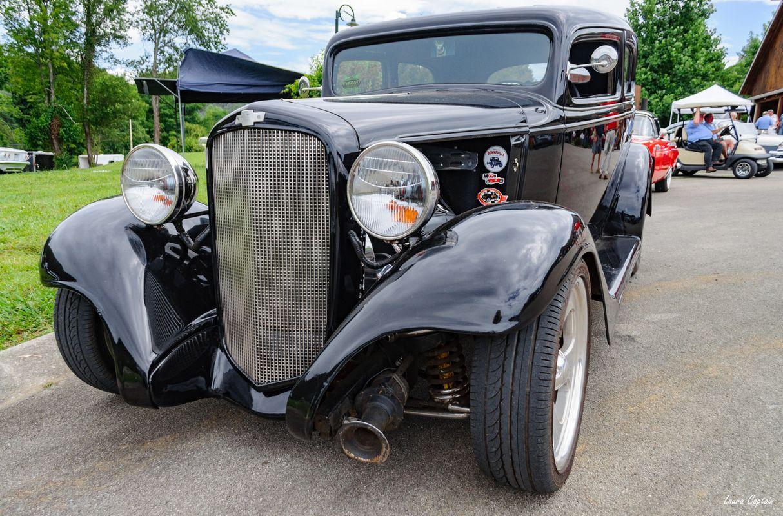 1933 Chevrolet 2 Door Sedan Street Rod Black - Antique cars