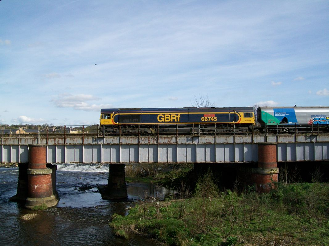 66 745 crossing the River Calder at Mirfield