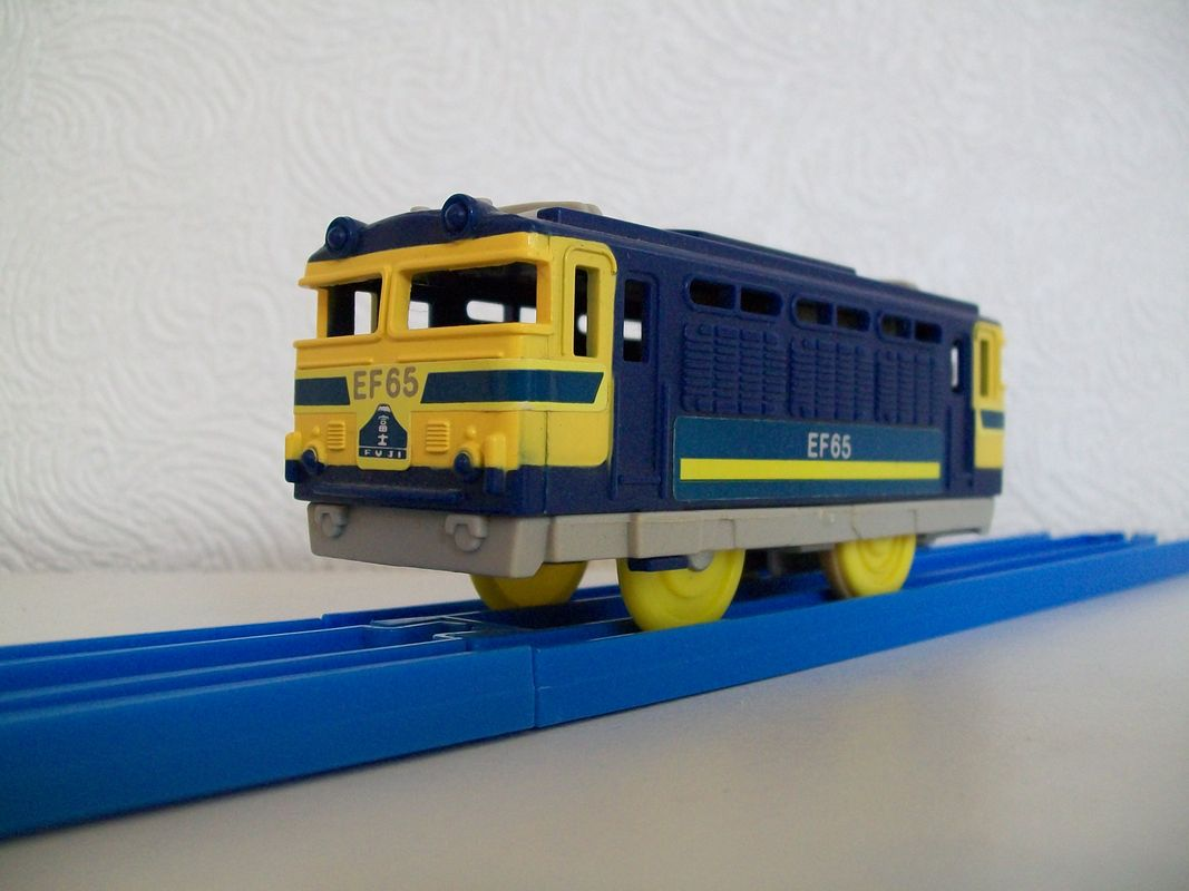 Tomy EF58 Japanese electric locomotive
