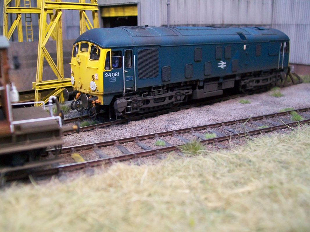 Sutton locomotive works class 24