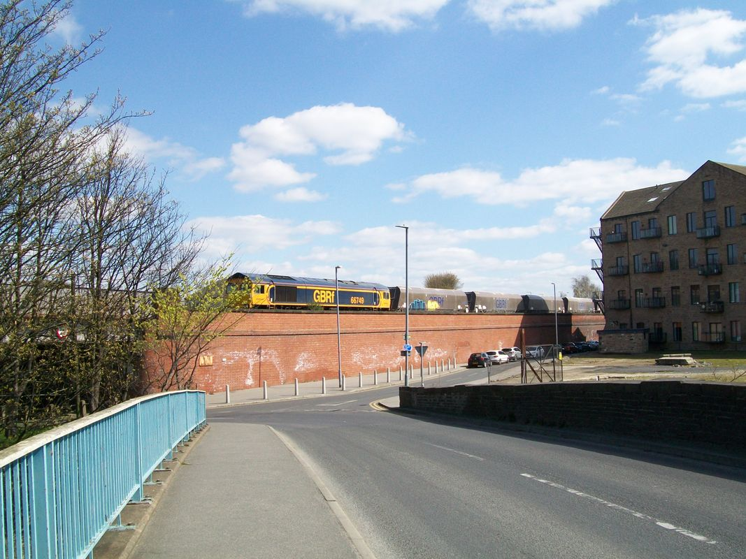 66 749 at Mirfield on 6M10 Doncaster to Peak forest