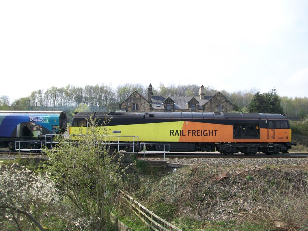 60 021 on 6M36 Drax to Liverpool biomass terminal