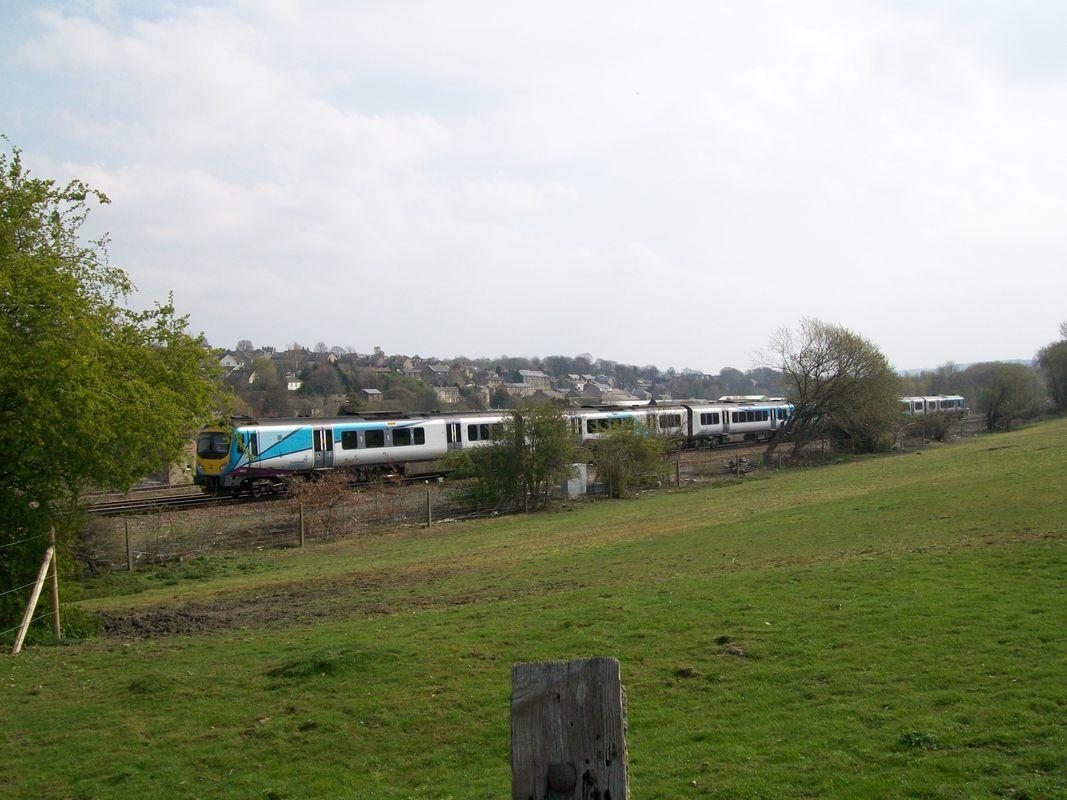 2x Trans-pennine express, Class 185 units at Heaton Lodge