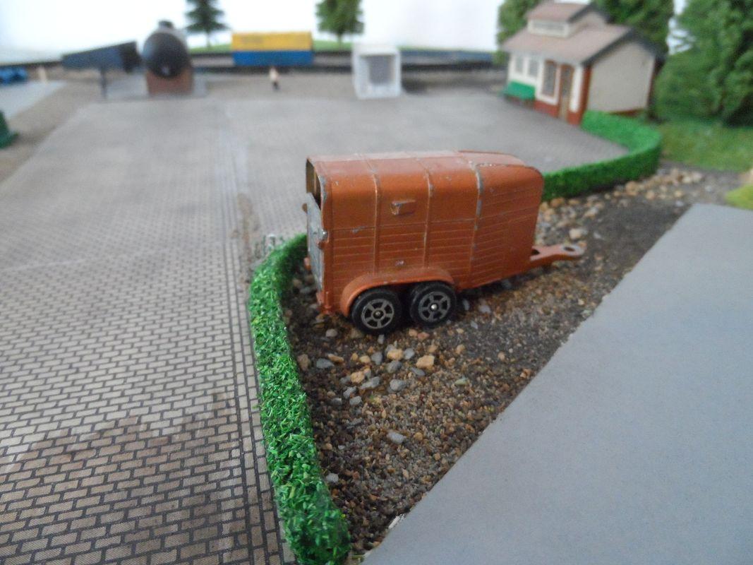 Corgi Juniors horsebox trailer