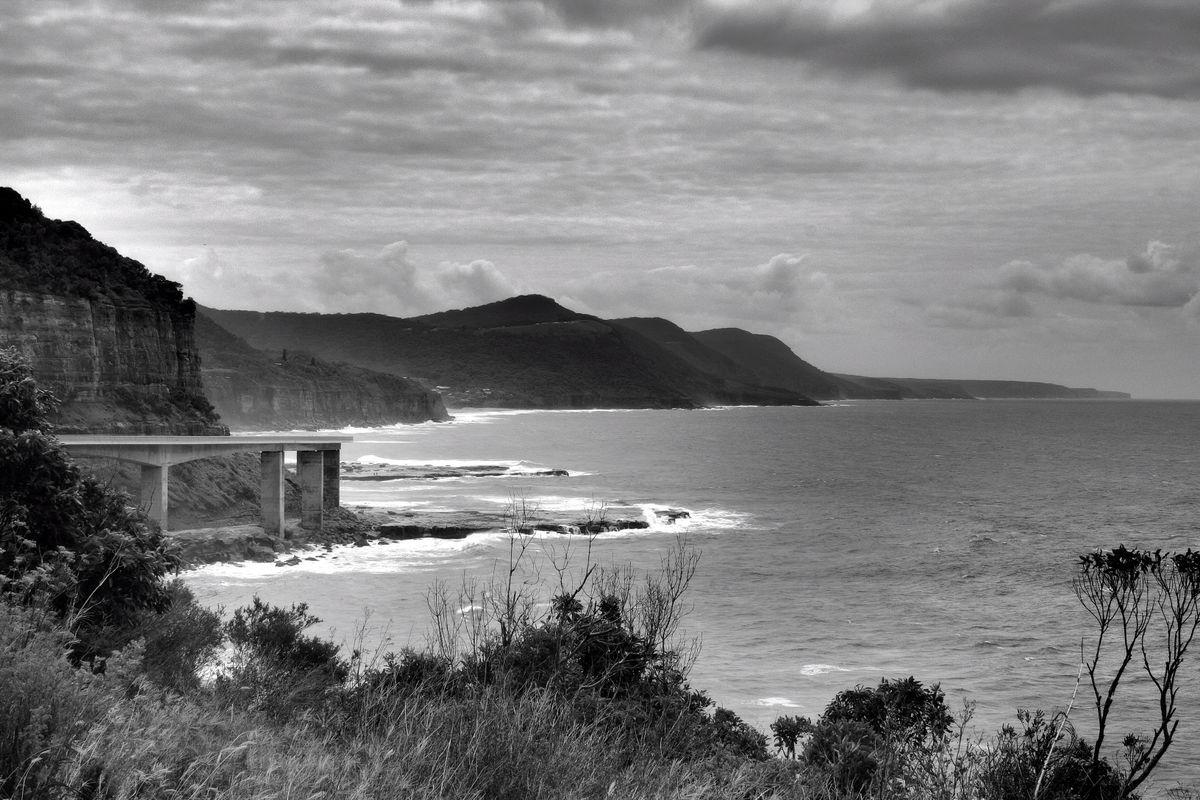 Sea Cliff Bridge looking North