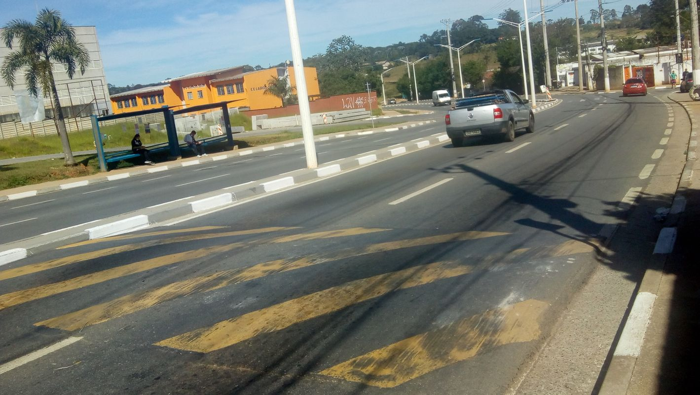 Estrada de Caucaia. Sp. Brasil