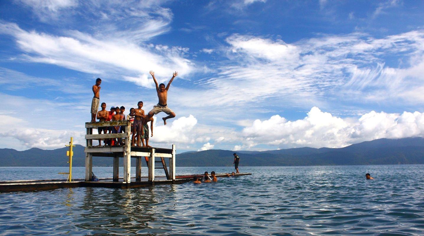Matano Lake Jumper