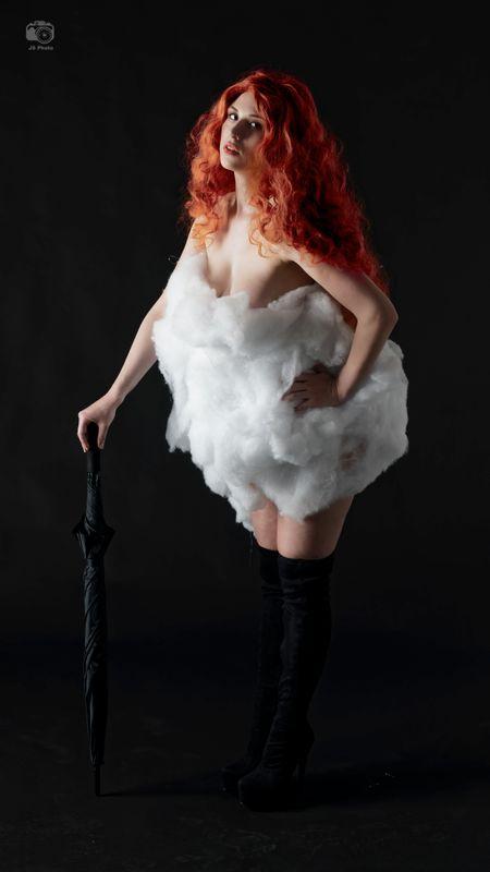 Astrid Kallsen, Umbrella and Cotton Balls, F2F Studios, Ft. Lauderdale, FL, 2020-02-07