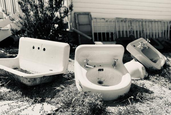 Sunbathing sinks