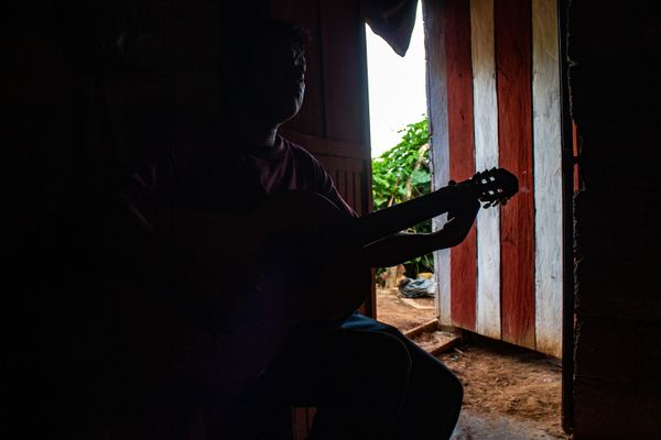 Guitarrist on the dark