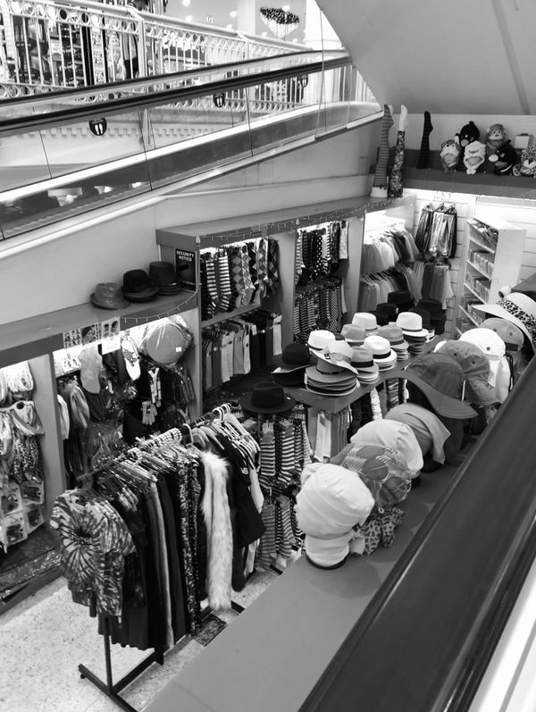 Fashion between the Escalators in black and white