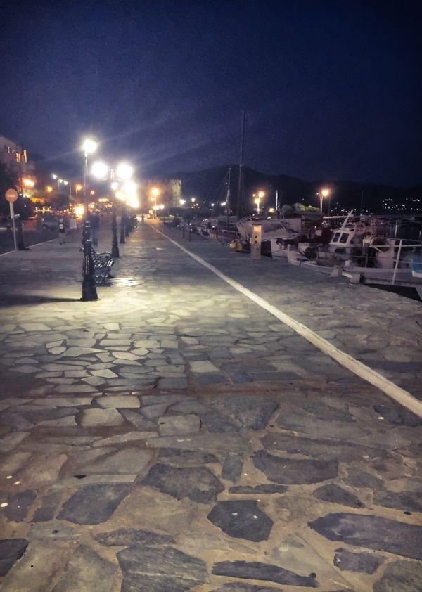 A night walk in Karystos...