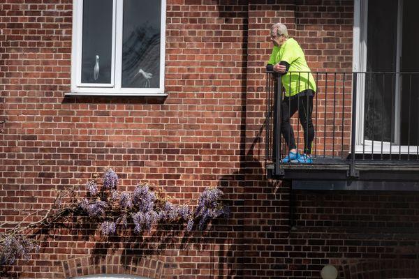 Man at balcony-1141