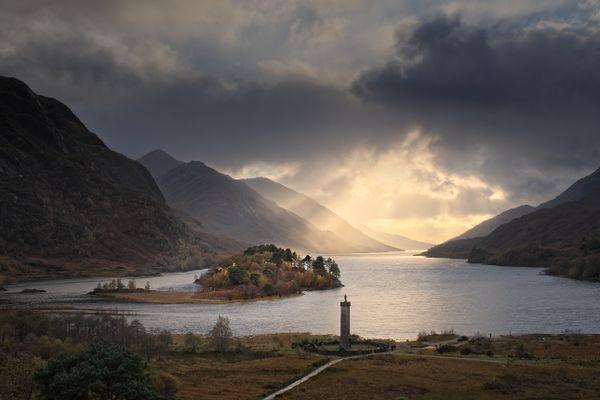 Glenfinnan Monument & Loch Shiel, Highlands, Scotland