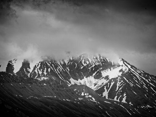 Chugach Mountains near Thompson Pass, Alaska, USA