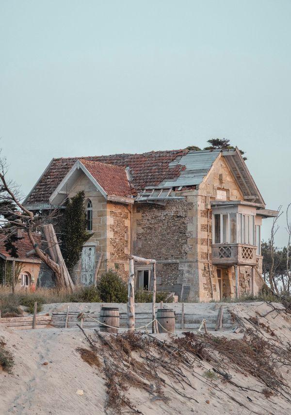 Old house / villa on the beach