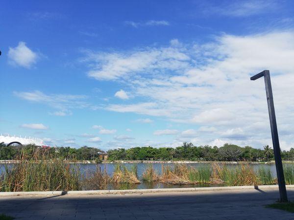 Rio y cielo