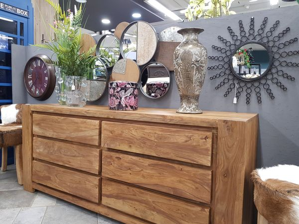 Maduzzi - drawers cabinet - plain shot