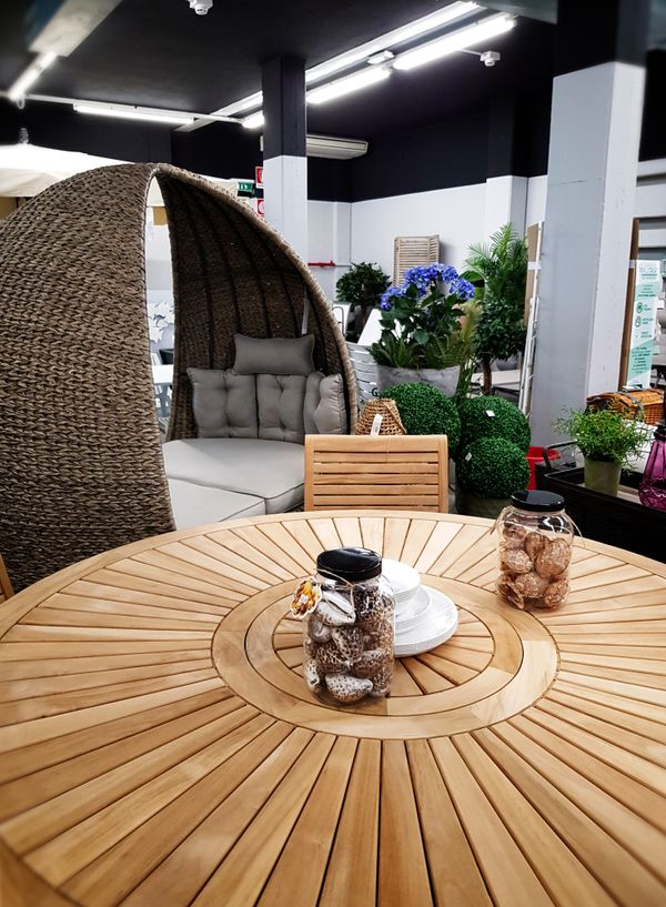 Maduzzi - table and outdoor couch