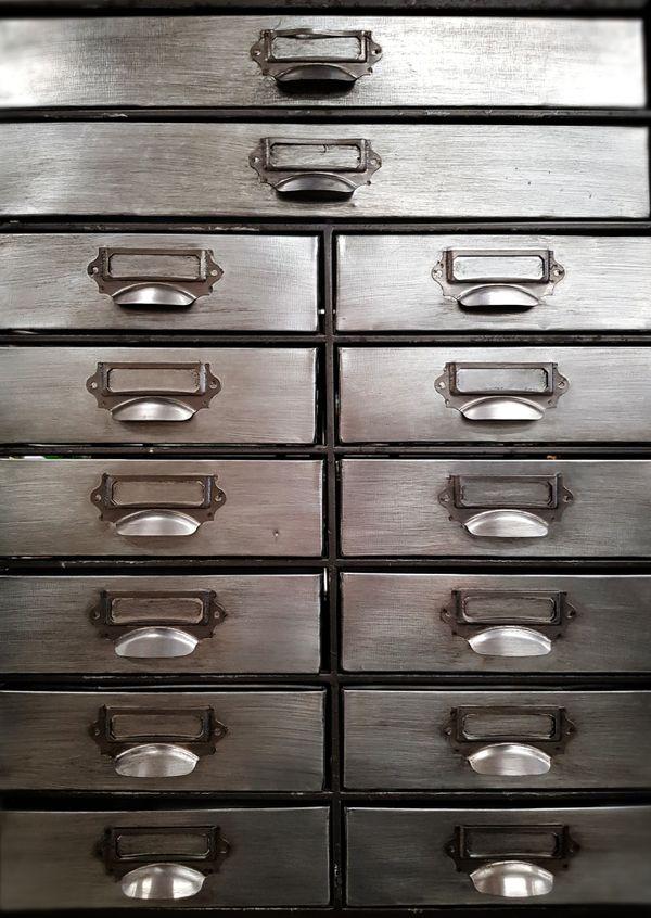Maduzzi - metal drawers