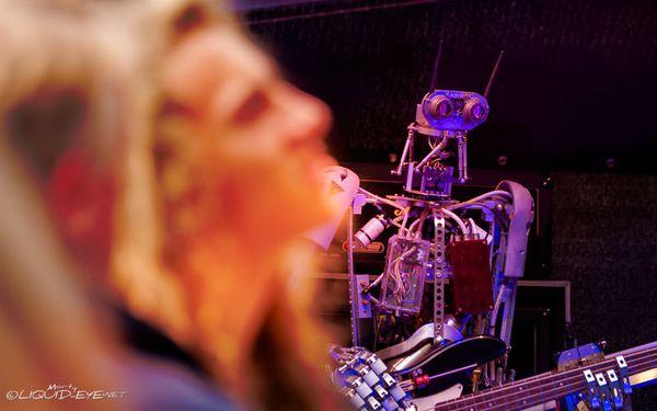 Compressorhead - LIVE - Bones