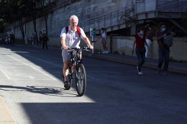 Cyclist on the edge of light