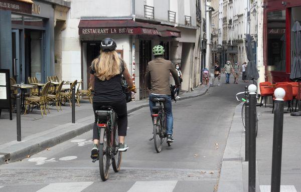 Cyclists vs pedestrians