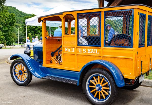 U.S. Mail - Blue 1920s Ford Model T Wood Body Depot Hack Truck