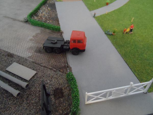 Lima HO scale artic HGV tractor unit