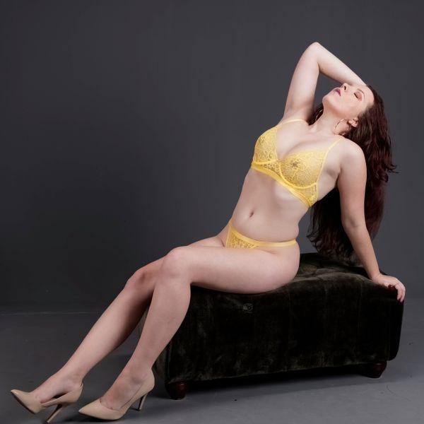 Taylor White, Sensual Pose on Ottoman, 305HotShots Studio, Ft. Lauderdale, FL, 2020-02-08