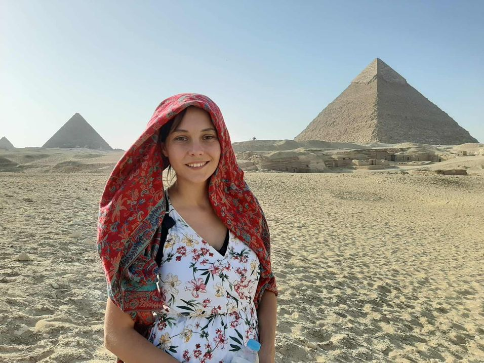 Photo of charming young girl on vacation 3