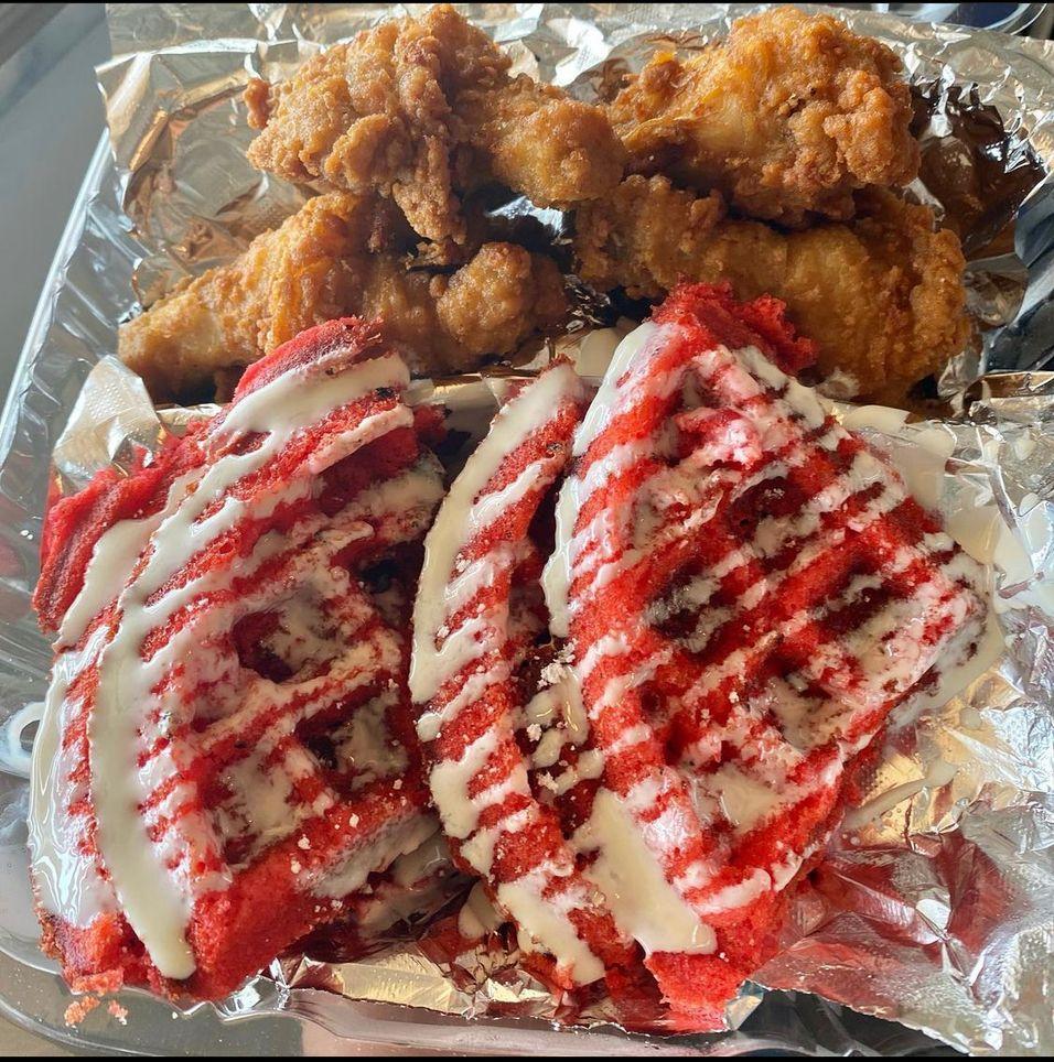Red-velvet Chicken&Waffles