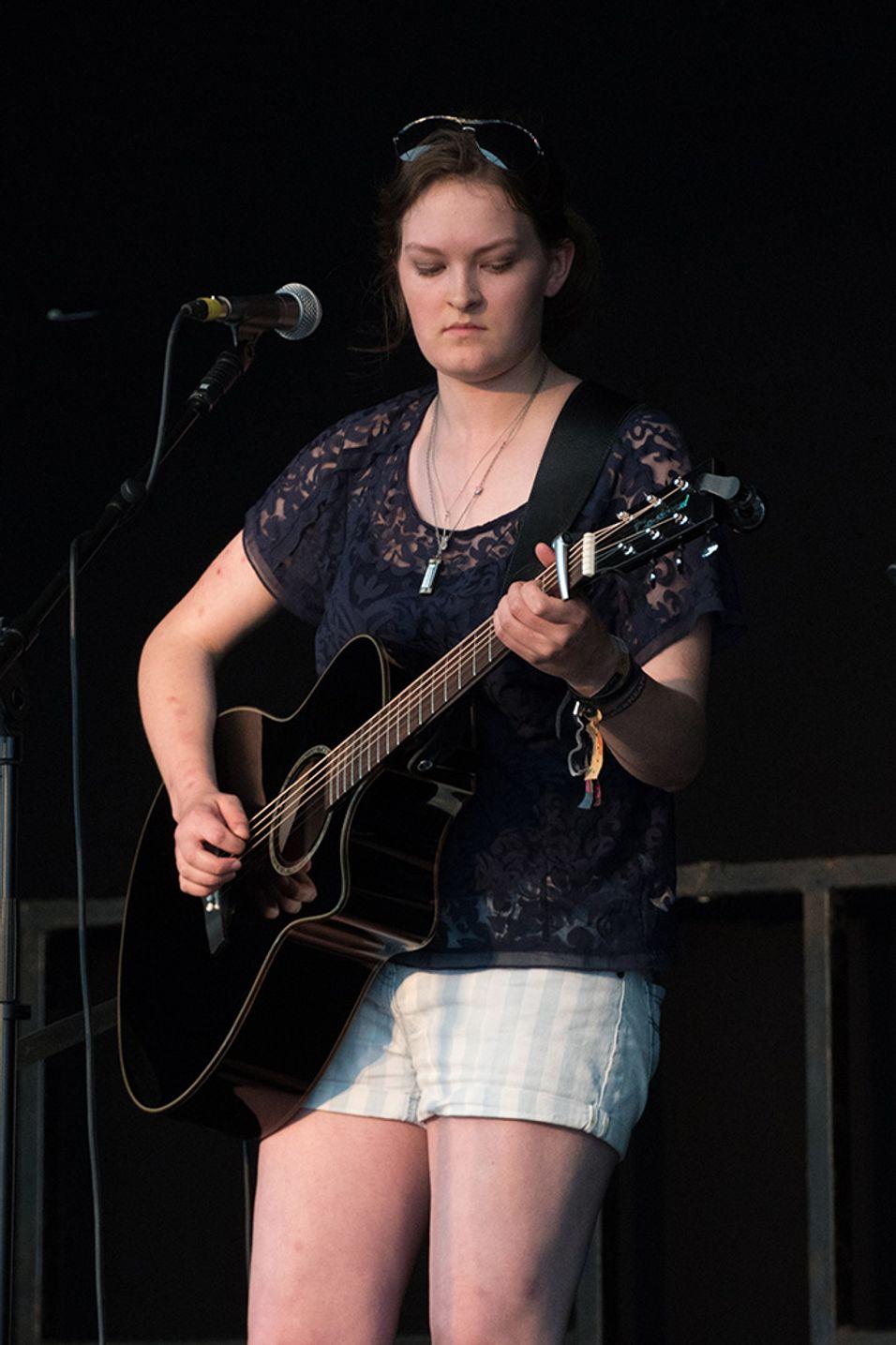 Cambridge Folk Festival 2016 - Iona Lane - Photocredit Neil King (1).jpg