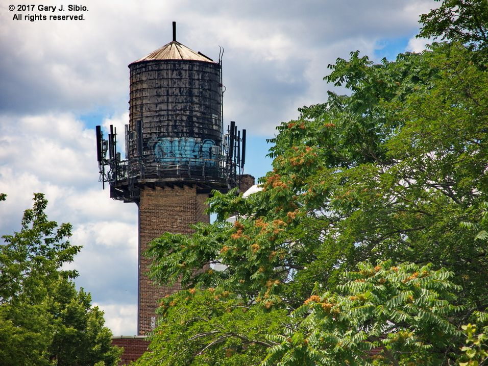 Water Tower on an Empty Warehouse (2017-07-01 13-05-22a)